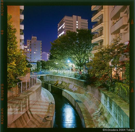 20041017渋谷橋下52.jpg